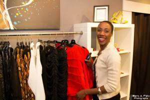 Clothilde N'Dri, de l'équipe AMA Design, fait son shopping che Nu-i by Vickie!